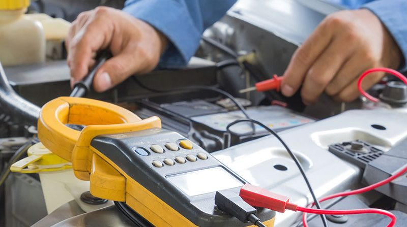 Informations sur les cours et le programme de formation en électronique automobile